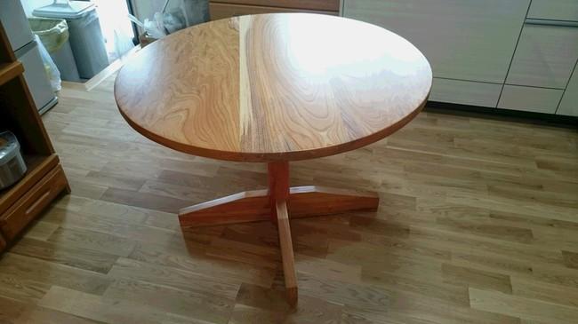 丸テーブル①.JPG